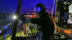 Petroleras ganan un 78 por ciento menos en 2015 por caída precios del petróleo