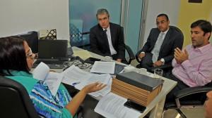 Ejecutivos-de-Falcondo-visitan-Ministerio-de-Energía-y-Minas