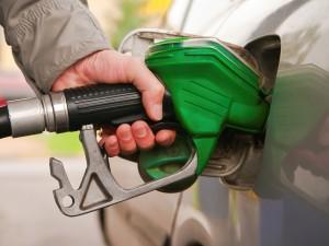 Mientras la gasolina premium sube su demanda, la regular baja