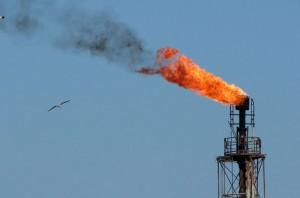 Plataforma petrolífera en el Mar Negro cerca de Constanta en Rumaní