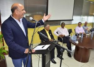 El ministro de Medio Ambiente y Recursos Naturales, Bautista Rojas Gómez