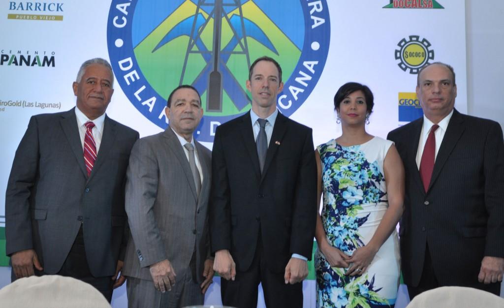 CAMIPE-celebró-un-Desayuno-Empresarial-junto-a-la-Embajada-de-Canadá