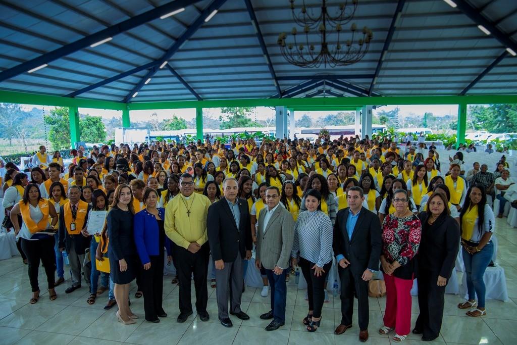 El Instituto de Formación Técnico Profesional Infotep y Barrick Pueblo Viejo entregaron 824 certificados
