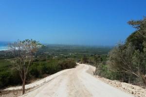 EGE-Haina-habilita-caminos-Enriquillo-Barahona-Buena-Vista