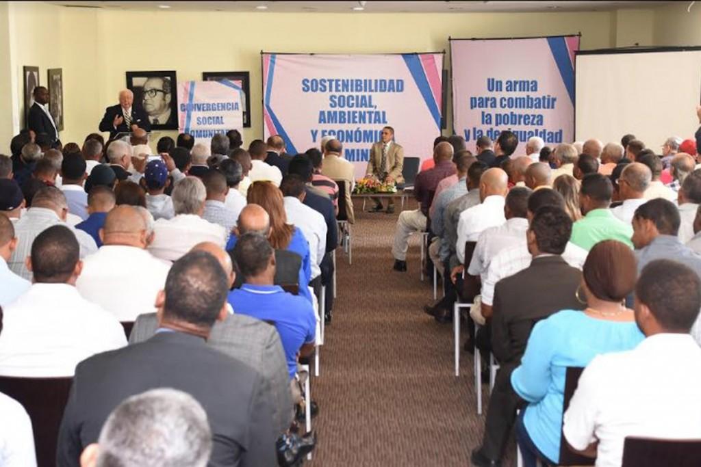 Isa-Conde-desarrolla-diálogo-con-comunidades-mineras-de-27-provincias