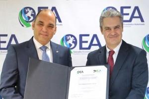 Enrique-Ramírez,-Director-General-de-Aduanas-y-Ioannis-Moutafis,-Presidente-de-Falconbridge-Dominicana