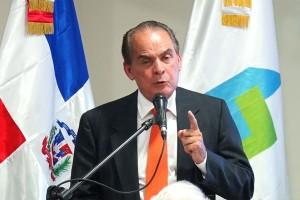 MEM-pone-en-circulación-libro-Reflexiones-de-la-industria-extractiva-responsable-de-la-autoría-del-Dr-Julio-Santana