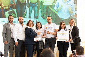 Cementos-Cibao-entrega-premios-concurso-Salonm-Challenge